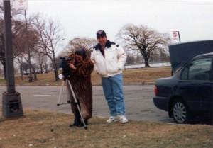 CL cu domnul Bodea la filmari linga Detroit West Point1995