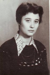 Cleopatra Lorinţiu în 1977, studentă şi coloaborator la radio românia tineret