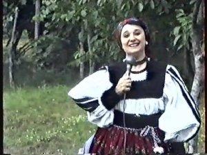 Cleopatra_Lorintiu_en_costume_maramures