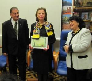 Ambasadoarea Algeriei la Bucureşti, dr.Dirar Kutaini si Cleopatra Lorintiu, seara algeriana la CCERPA moderata de Cleopatra Lorintiu dec 2015