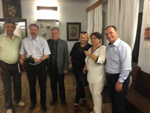 la casa poetului George Coşbuc din satul Hordou :Alexandru Pugna, Cleopatra Lorintiu, Violeta Pintea, dr. leon Zărean, pr. Ioan Pintea